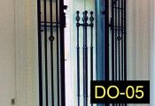 DO-05-wroughtirondoors