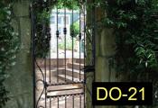 DO-21-wroughtirondoors